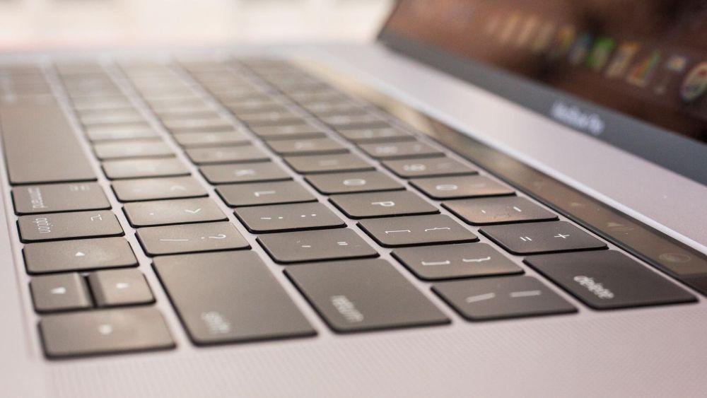 Photo of Apple în sfârșit recunoaște că are o problemă cu tastaturile din MacBook-uri