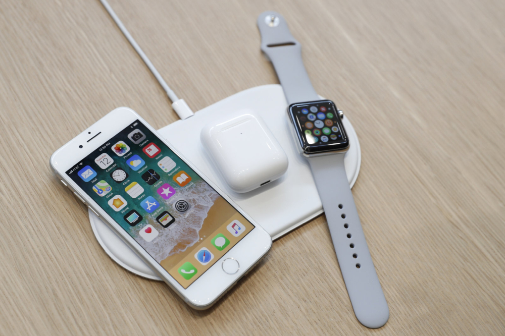 Photo of Noile modele de iPhone posibil să aibă wireless charging mai rapid