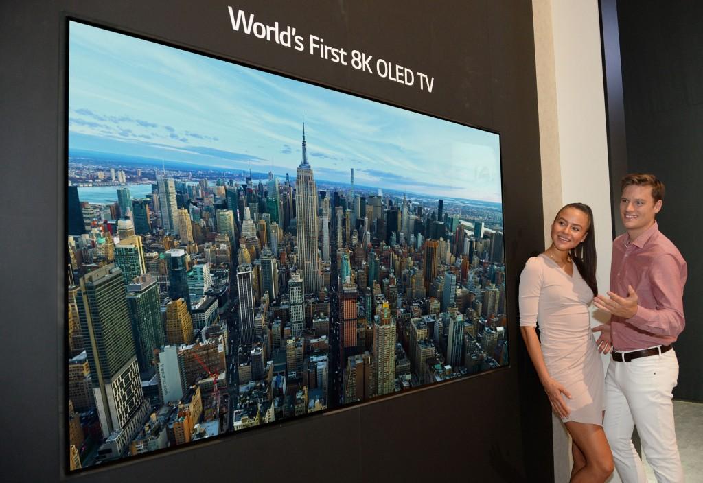 Photo of LG a prezentat primul televizor OLED 8K la IFA 2018