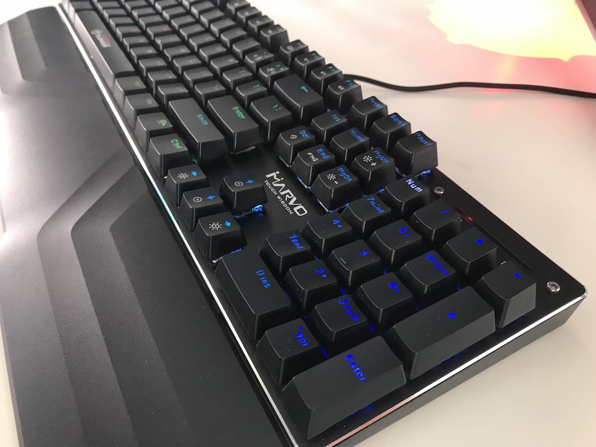 Photo of Marvo Scorpion KG925G – Tastatura mecanica iluminata la 200 de lei!