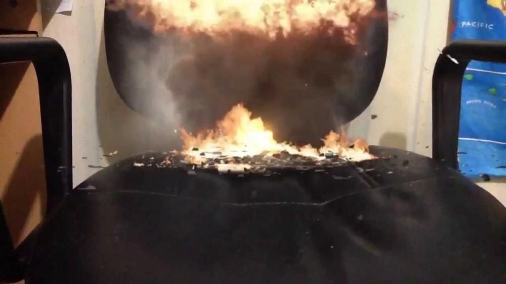 Photo of Bateria unui iPad a explodat într-un Apple Store