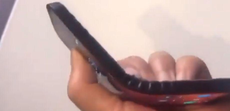 Photo of Așa arată telefonul pliabil Lenovo