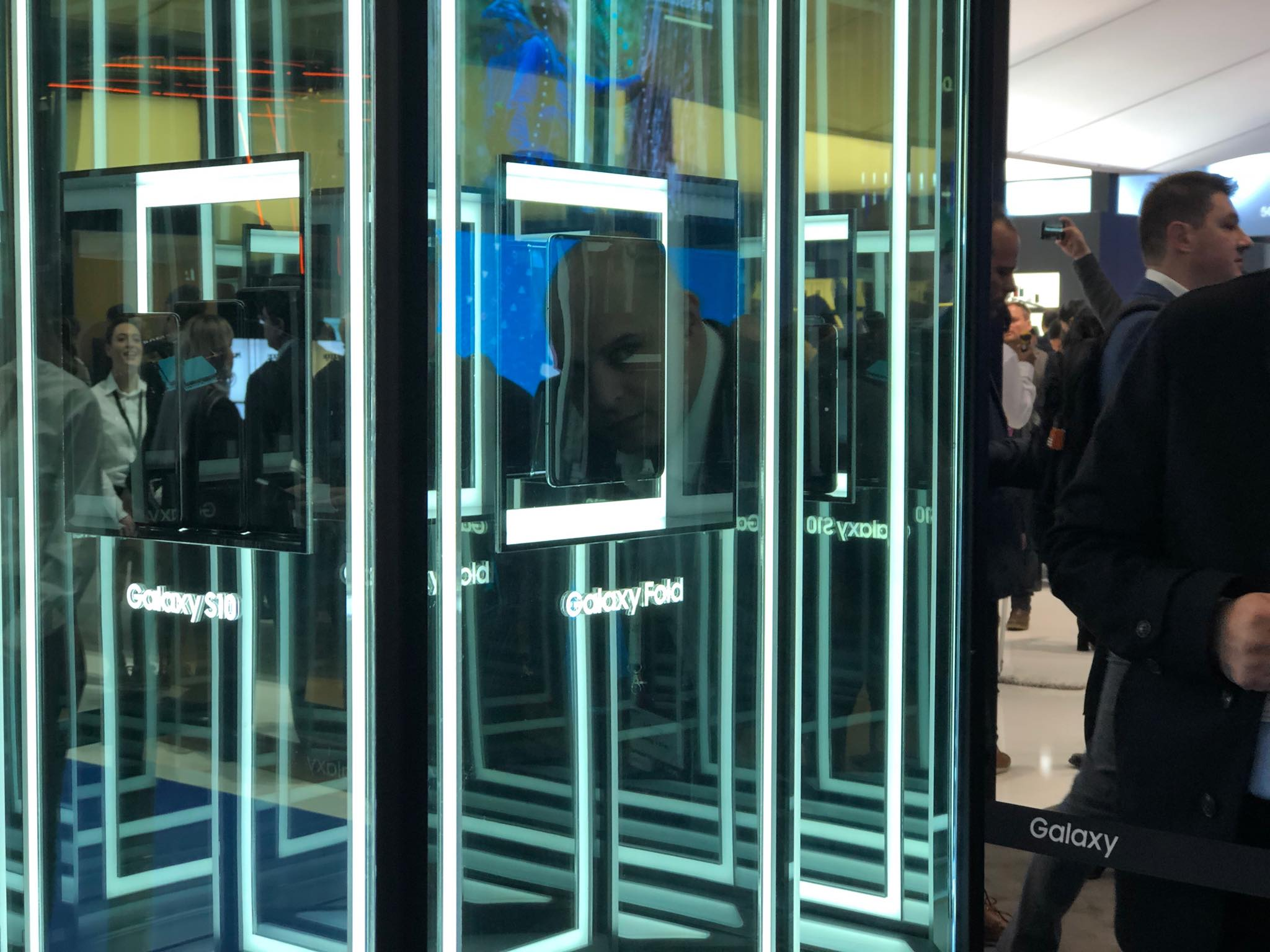 Photo of Zon@IT la MWC 2019 cu Samsung Galaxy Fold