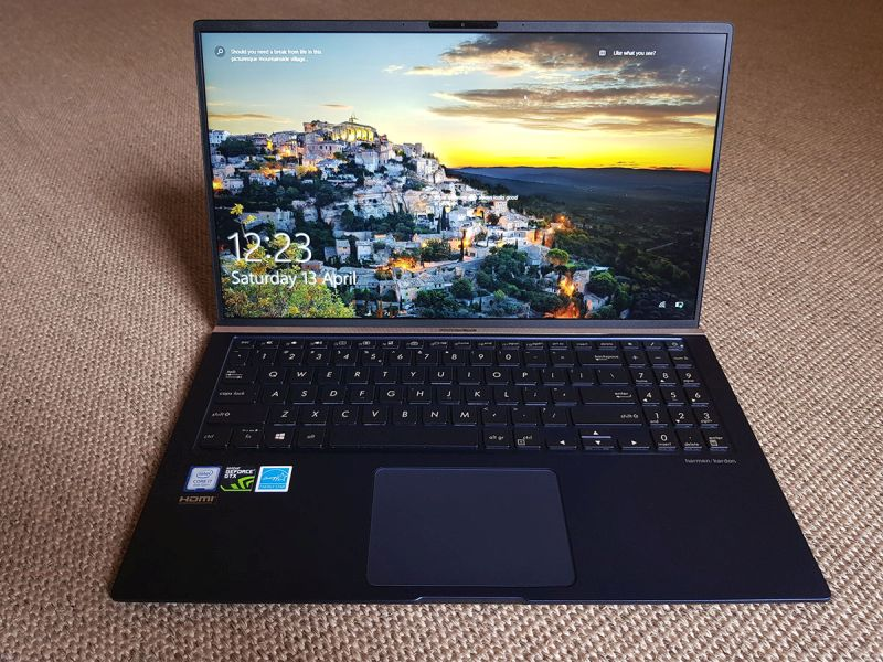 Photo of ASUS ZenBook 15 UX533FD review: compact, elegant și autonomie mare