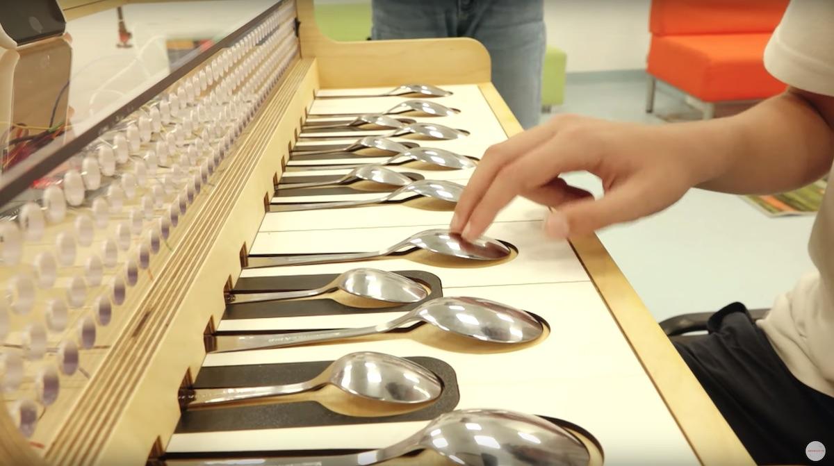 Pianul cu linguri
