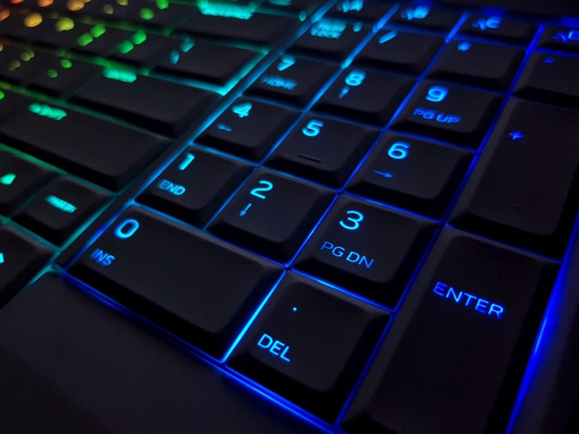 Alienware TactX cu iluminare AlienFX: Night beauty.