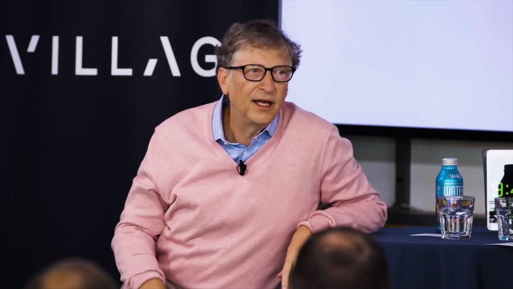 Photo of Bill Gates crede că Microsoft a pierdut  400 de miliarde de dolari pe piața smartphone-urilor