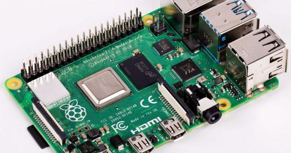 Raspberry Pi 4 este mai puternic decât unele PC-uri