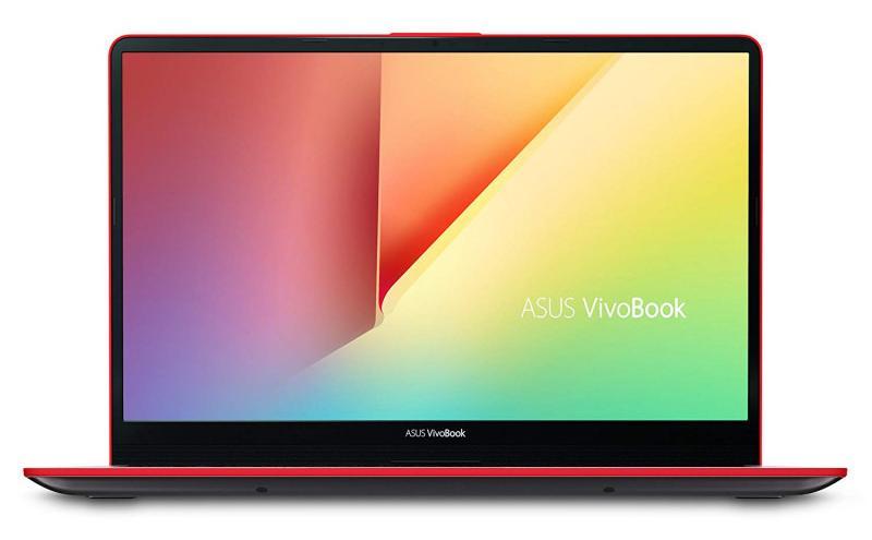ASUS VivoBook S15 S530UN: margini subțiri, contur roșu. Atrăgător!