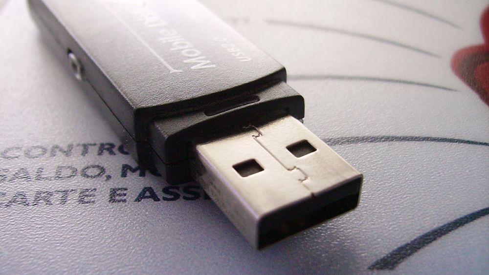 Photo of Inventatorul USB-ului explică de ce conectorul nu a fost proiectat să fie reversibil