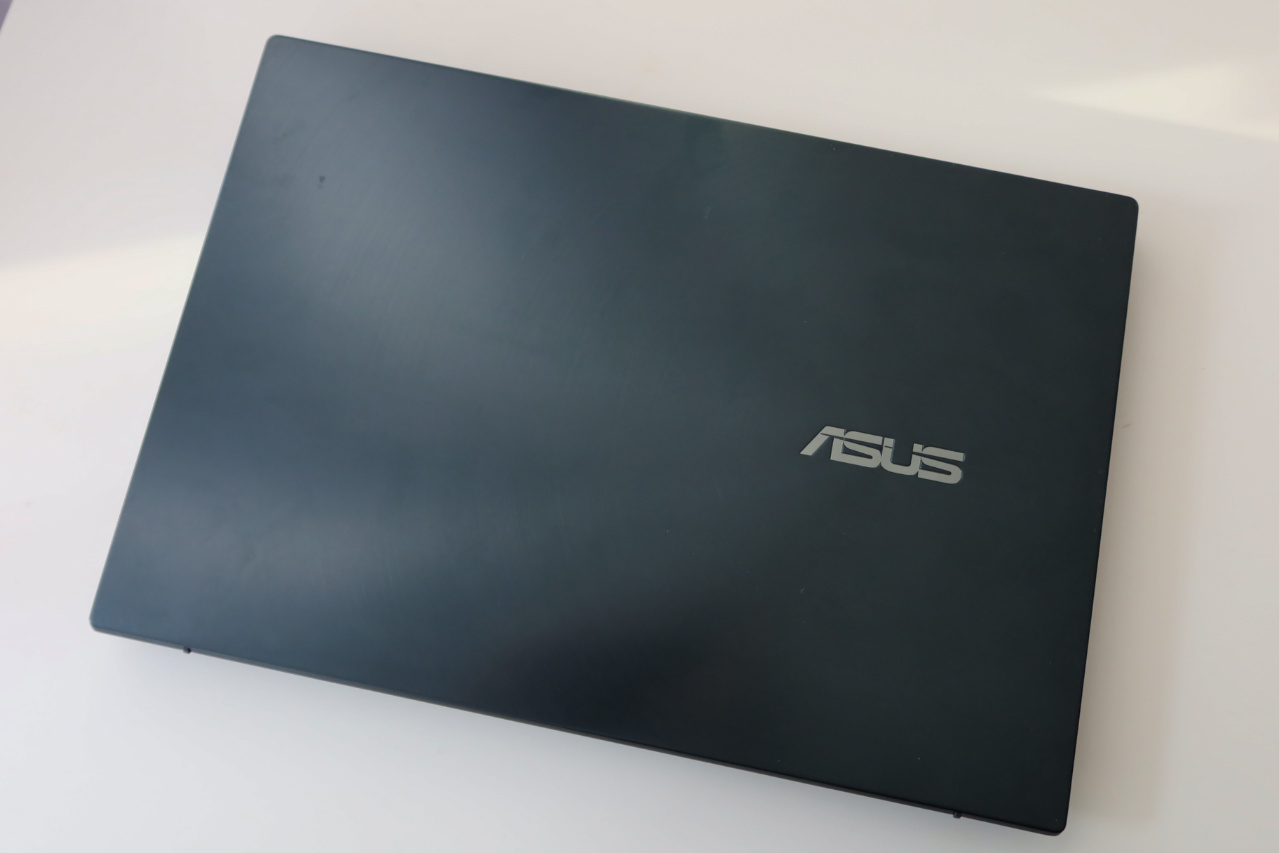 ASUS ZenBook Duo Review