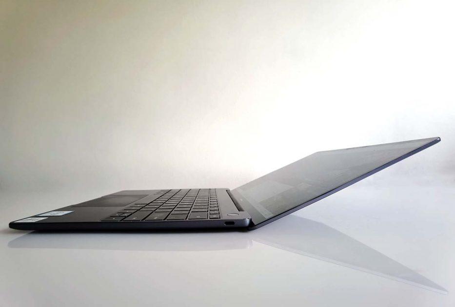 HUAWEI MateBook 13 2020 - ecran rabatabil, unghiuri largi