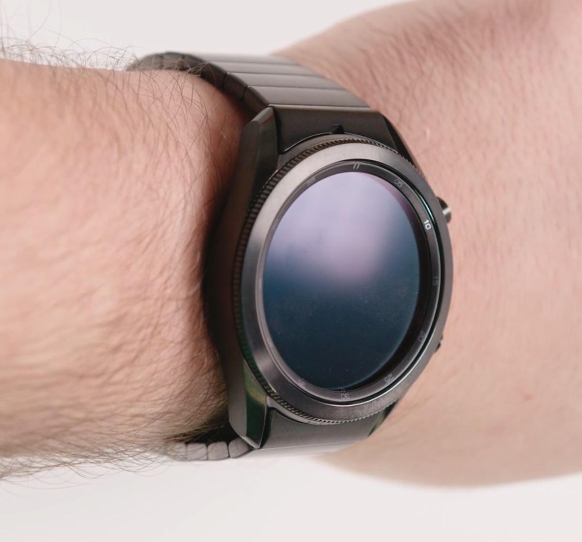 Galaxy Watch 3 Titanium pe mana