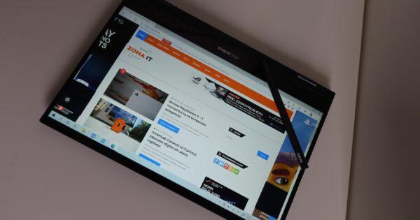 Review ASUS ZenBook Flip 13 – Se da peste cap ca sa te multumeasca!