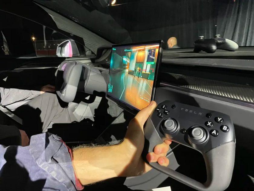 Tesla Model S Plaid Cyberpunk 2077 PlayStation 5